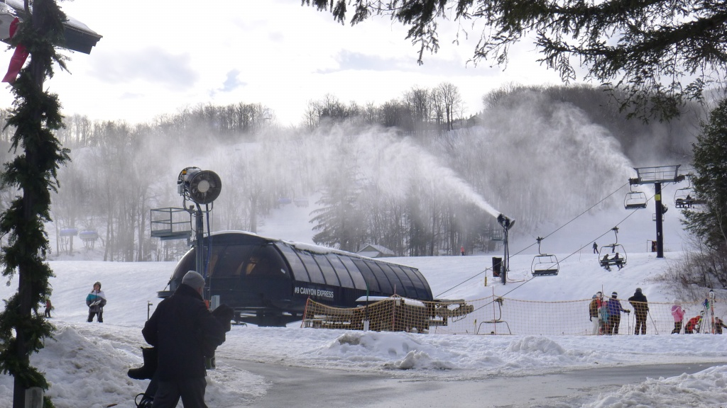 Mount Snow snowmaking